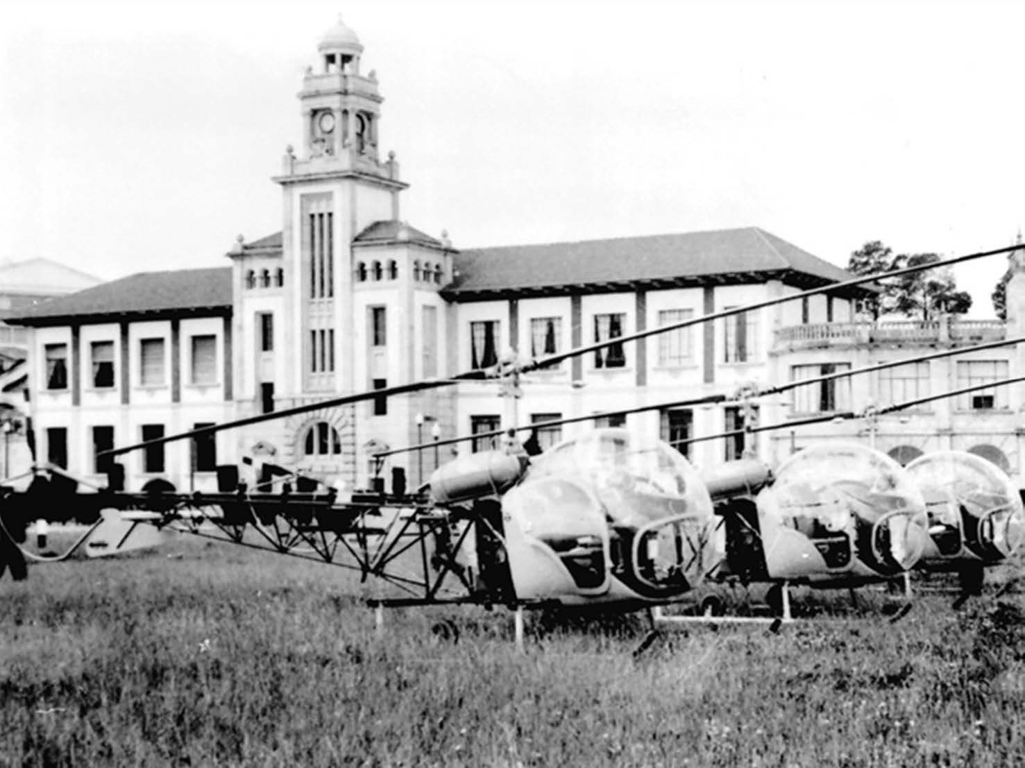 The first Bell-47G helicopters at the Naval Academy