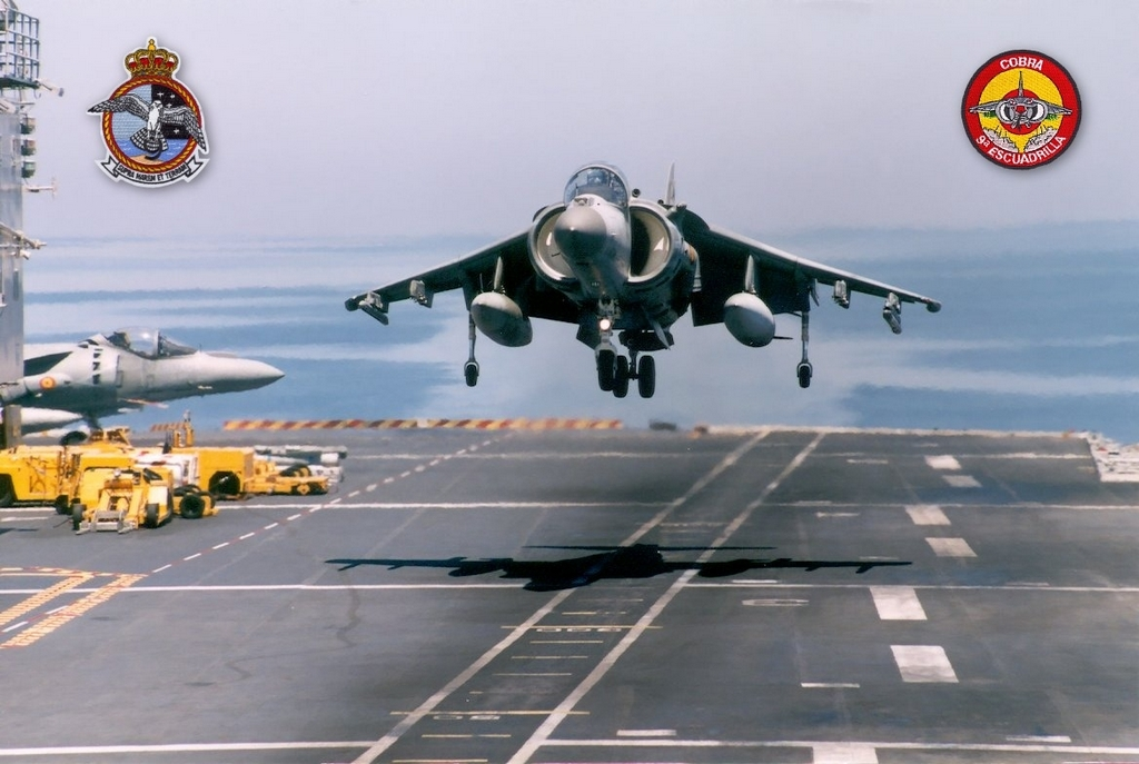 Landing of an AV-8B on the 'Príncipe de Asturias' aircraft-carrier