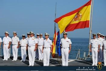 Rear-Admiral Pedro García de Paredes handed over command of the operation Atalanta Force to the Portuguese Commodore Jorge Novo