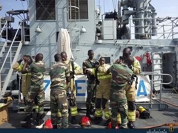 Actividad de Seguridad Interior y contraincendios con la marina de Senegal
