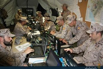 Centro de operaciones tácticas de la brigada conduciendo el ejercicio