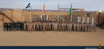 Family photo of SO personnel in Atar (Mauritania).