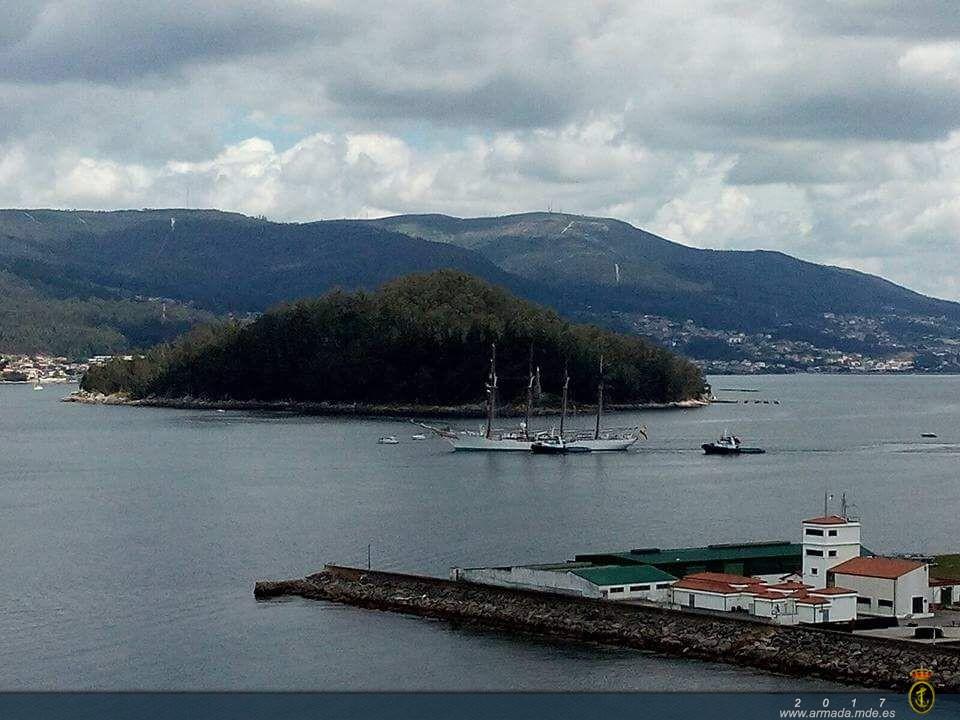 """El buque-escuela de la Armada """"Juan Sebastián de Elcano"""" hace escala en Marín"""