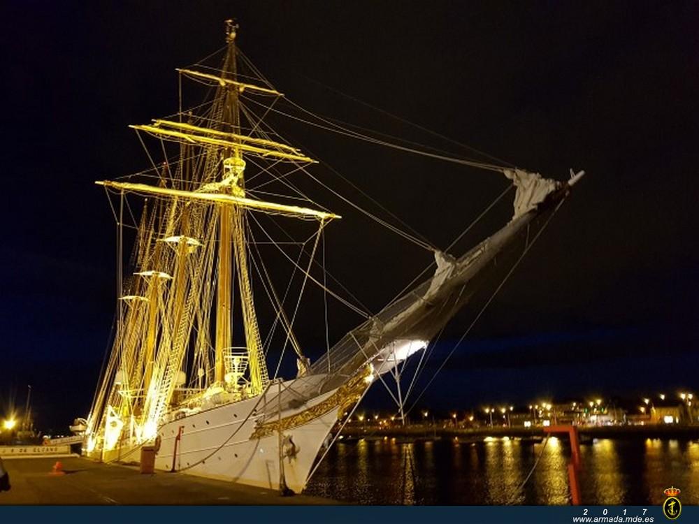 El 'Juan Sebastián de Elcano' visita Dublín