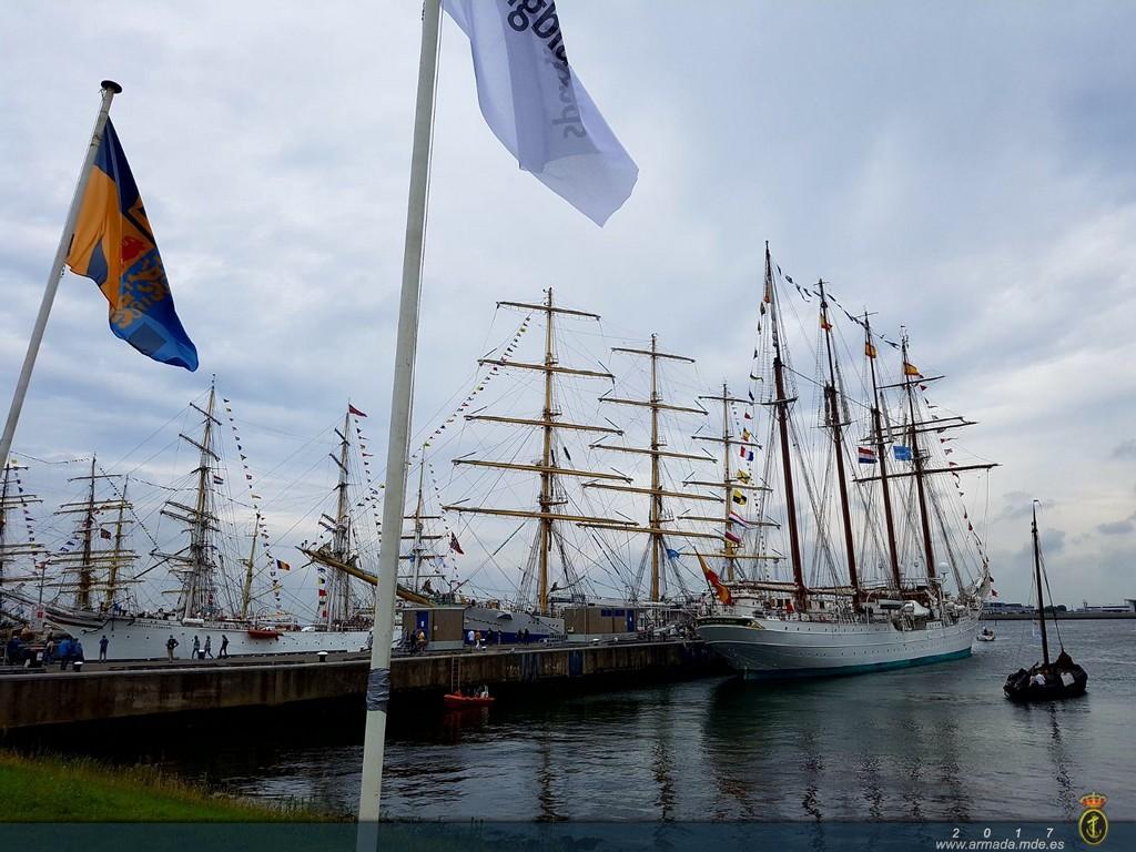Reunión de grandes veleros en Den Helder