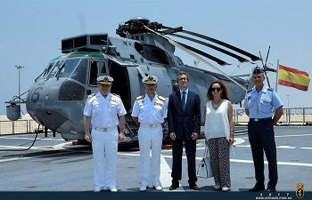The Spanish Ambassador to the UAE on the flight deck